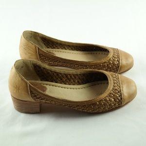 Frye Womens Pumps Sz 7.5 Tan Block Heel